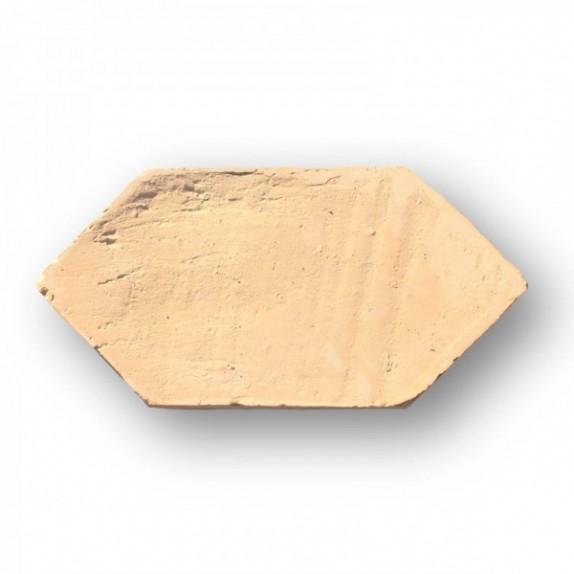 Naveta de 12x25 cm de ancho y de punta a punta roja