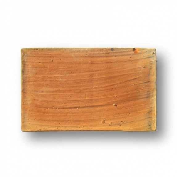 Tova de 22x36x2 cm aprox. Manual con la mano pasada roja