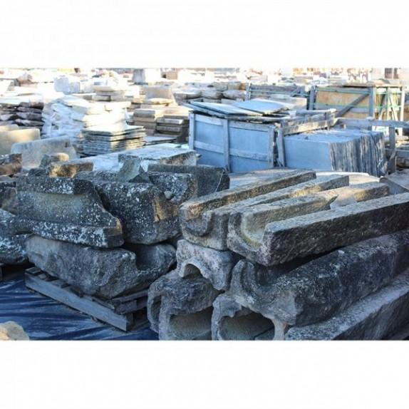Canal de piedra recuperada