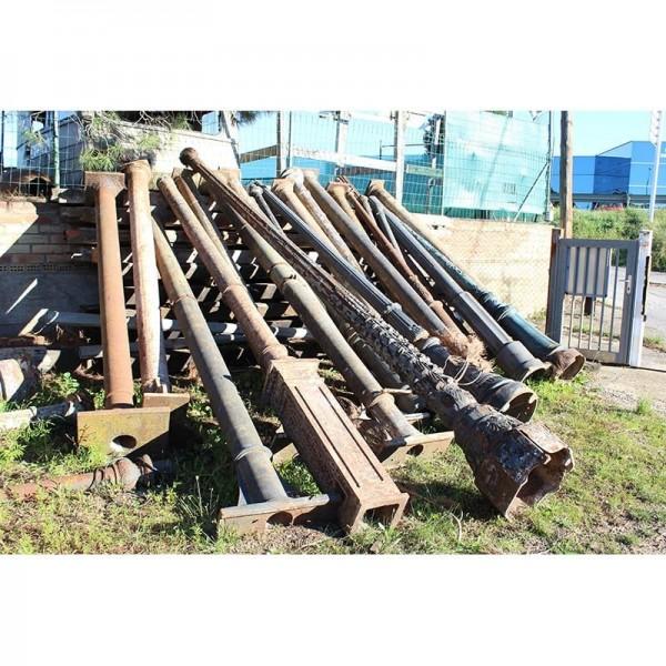 Pilares y farolas de hierro fundido de recuperación